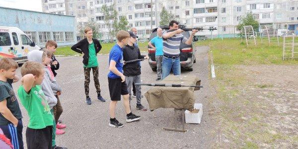 Встреча Усинских десантников с воспитанниками детского дома